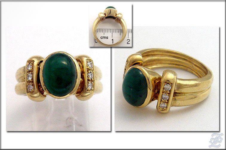 v2198   18K SOLID GOLD DIAMOND & OVAL CHRYSOPRASE RING